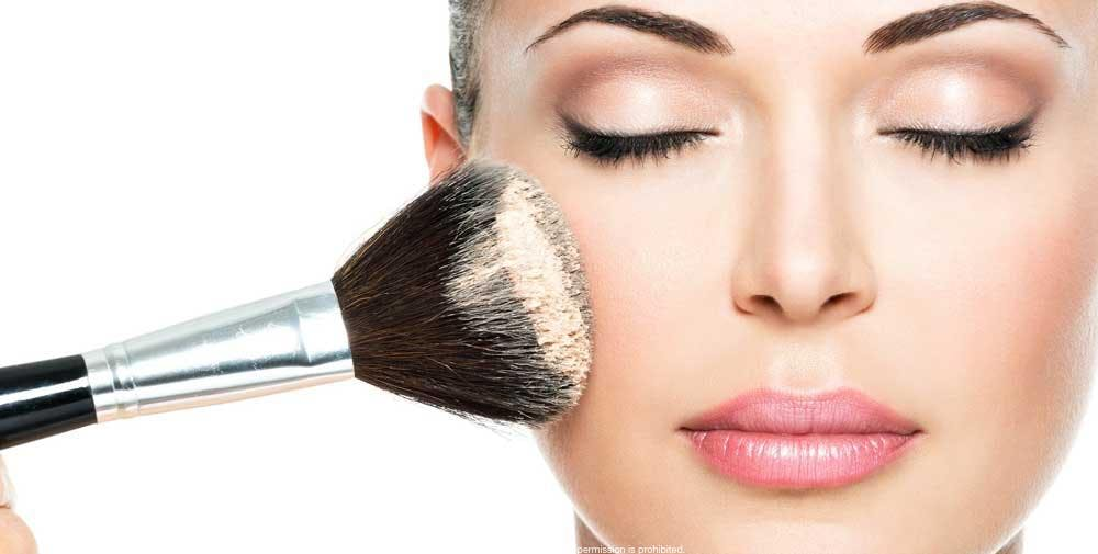 Certification in Advanced Professional Makeup Artist for 3 months for only €298! You will learn techniques and trends for catwalk (runway), television, ...